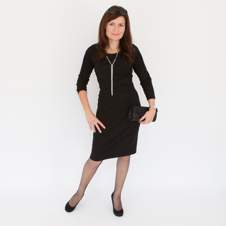 Outfit des Tages knielanges Schwarzes für den Winter